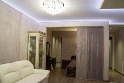 классика, натяжной потолок, скрытая подсветка