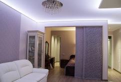 классика, лавандовый цвет, светопропускающий потолок